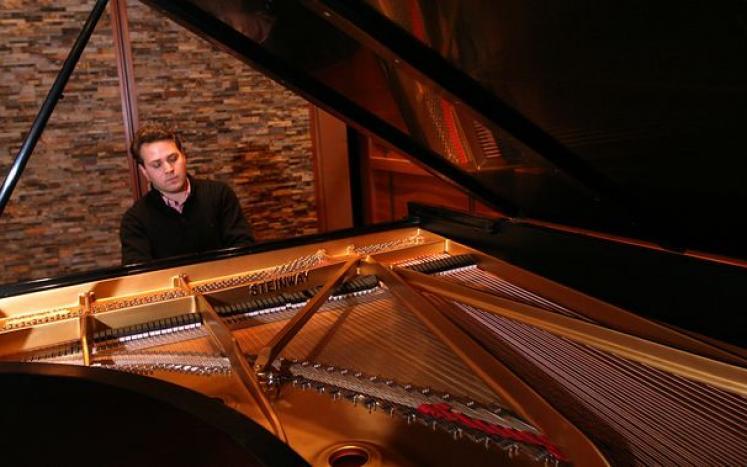 Pianist, Clements Teufel